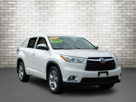 Pre-Owned 2016 Toyota Highlander With Navigation & AWD