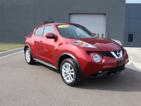 Pre-Owned 2016 Nissan Juke SL With Navigation & AWD